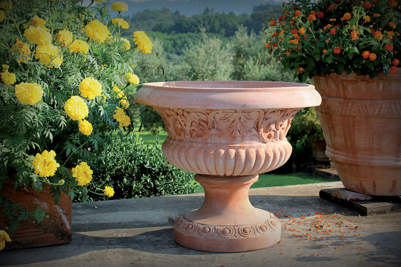 Fioriere terracotta fioriera in metallo e vaso in for Vasi in cotto prezzi